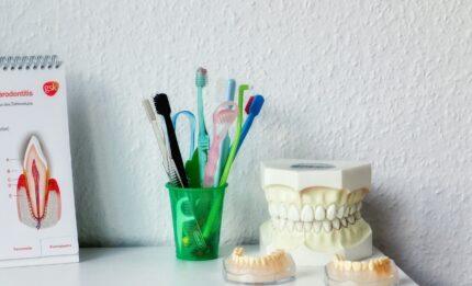 Higiena jamy ustnej jak prawidłowo o nią dbać?