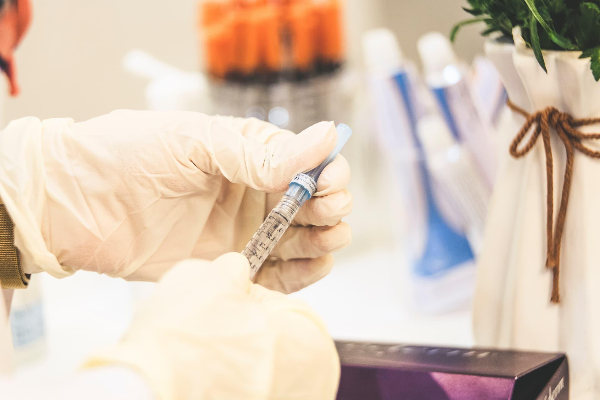 Botoks – co to jest? Zastosowanie w medycynie estetycznej i stomatologii